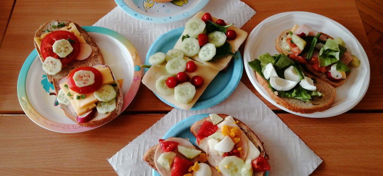 Robimy wiosenne kanapki - realizacja programu Dobrze Jemy ze Szkołą na Widelcu